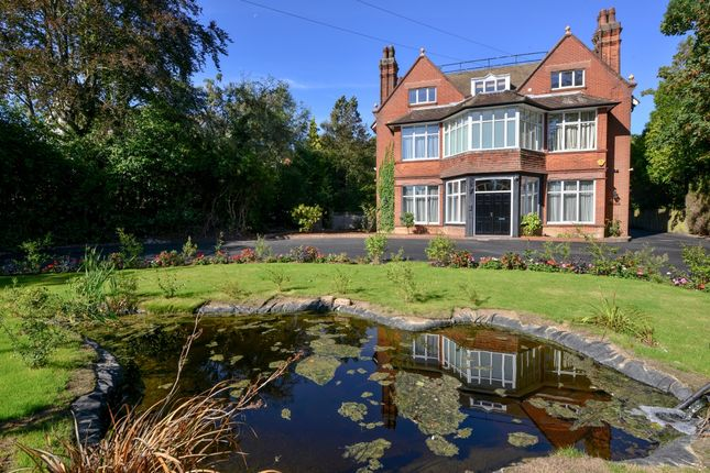Thumbnail Detached house to rent in Lingworth, Oathall Road, Haywards Heath