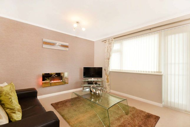 Thumbnail Flat to rent in Guildford, Guildford