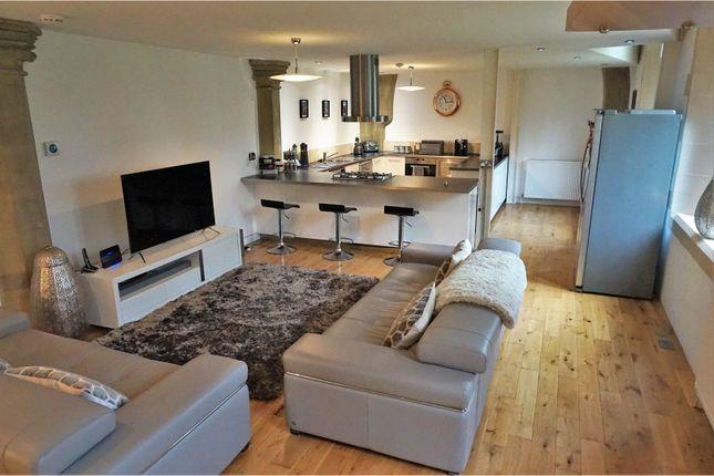 Thumbnail Flat to rent in Huddersfield Road, Bradford