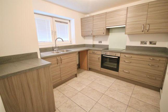Thumbnail Flat to rent in Norfolk Street, Southsea