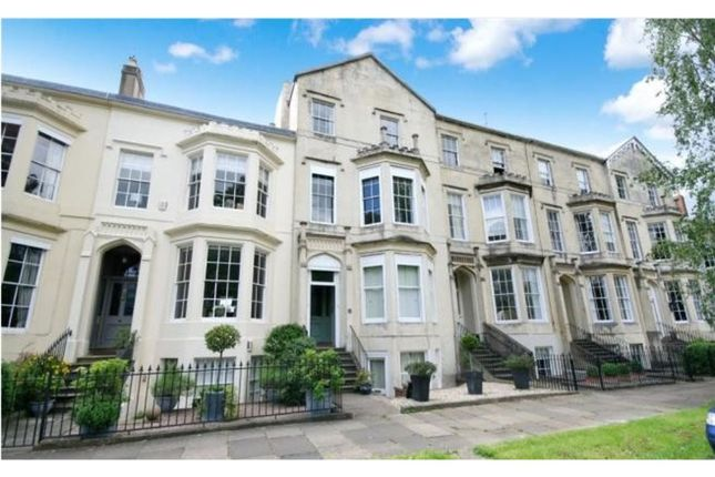 2 bed flat for sale in Clarence Square, Cheltenham GL50