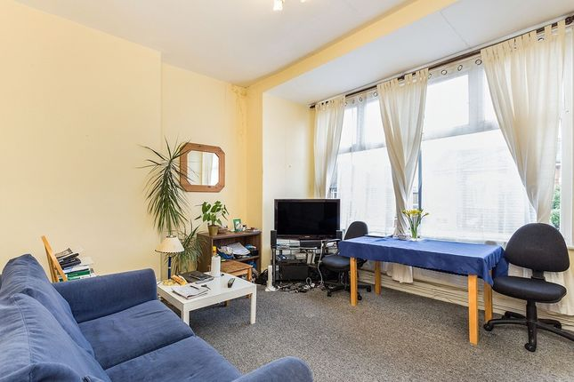 Thumbnail Flat for sale in Emanuel Avenue, London