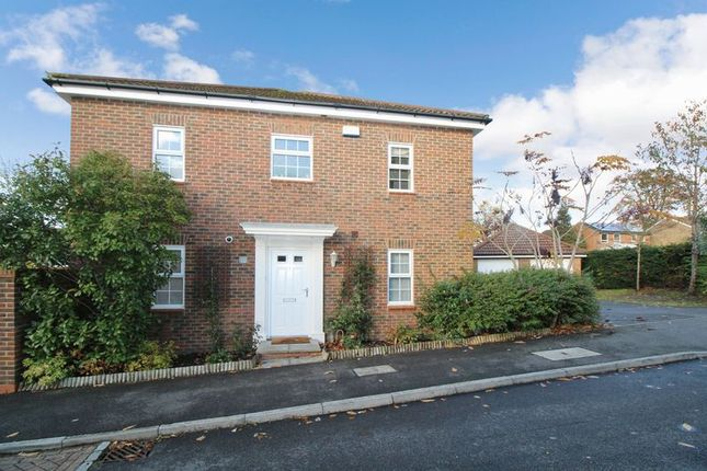 Thumbnail Detached house for sale in Oakhill Chase, Crawley
