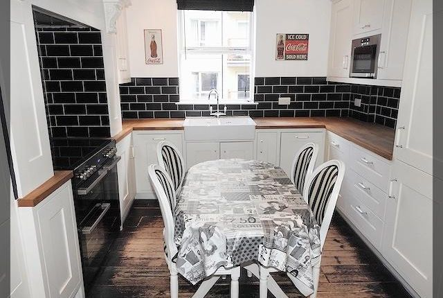 Thumbnail Town house to rent in The Sawmill, Dock Street, Hull