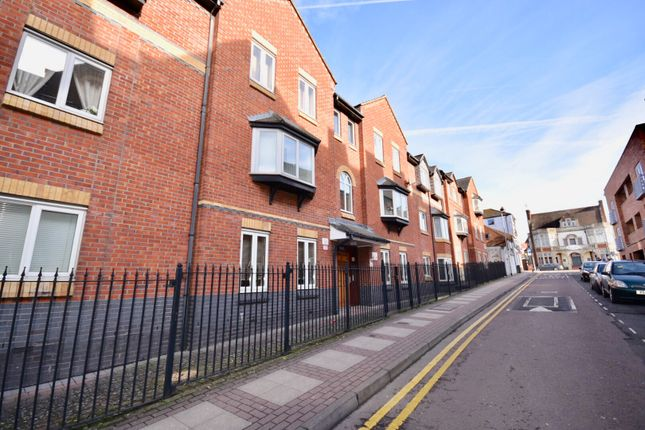 Thumbnail Flat for sale in Lahnstein Court, Kettering