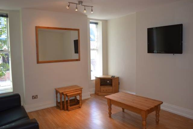 Thumbnail Flat to rent in Flat 3, 53 Osborne Road, Jesmond