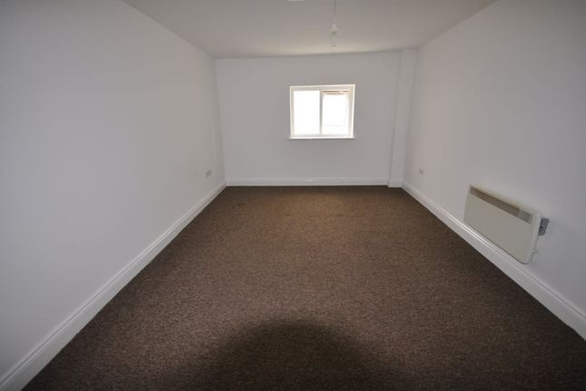 Thumbnail Flat to rent in Town Centre, Midland Road, Bedford