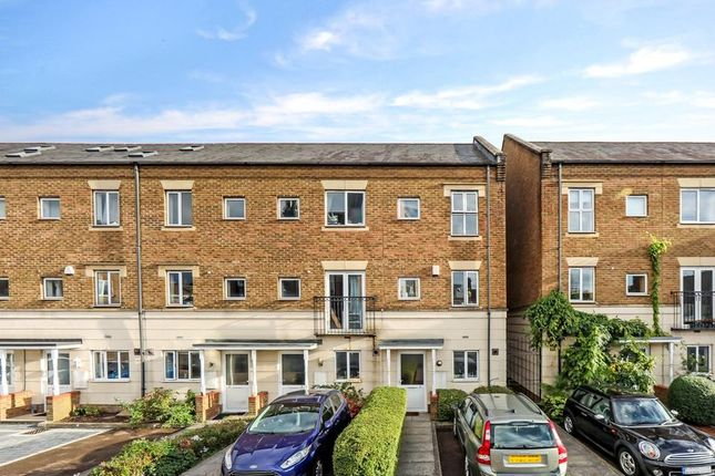 Thumbnail Semi-detached house to rent in Chapman Place, London
