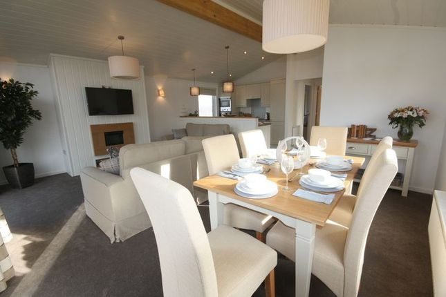 Thumbnail Detached bungalow for sale in Barlings Lane, Langworth, Lincoln