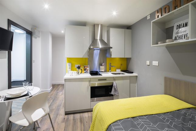 Thumbnail Property to rent in Dumfries Place, Roath, Cardiff