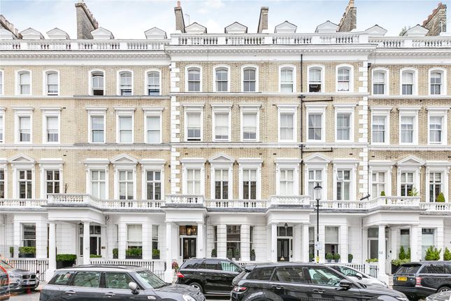 Picture No. 14 of Onslow Gardens, South Kensington, London SW7