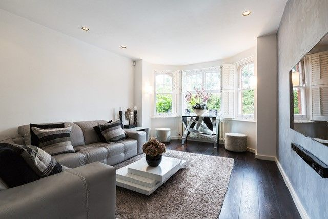 Thumbnail Flat for sale in Queen's Club Gardens, London