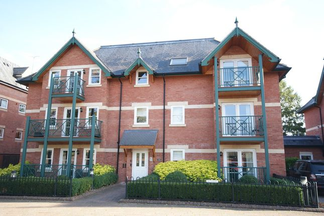 Thumbnail Flat to rent in Saxon Court, Guys Cliffe Avenue, Leamington Spa