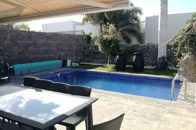 Thumbnail Villa for sale in Oasis Del Duque, Playa Del Duque, Tenerife, Spain
