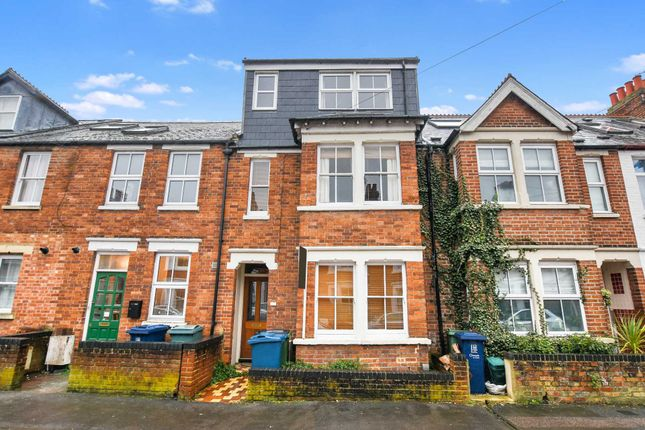 Thumbnail Terraced house for sale in Chilswell Road, Grandpont