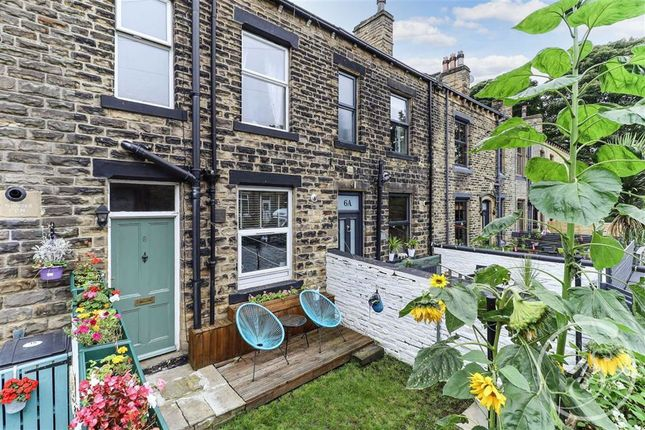 4 bed terraced house for sale in Hutton Terrace, Pudsey LS28