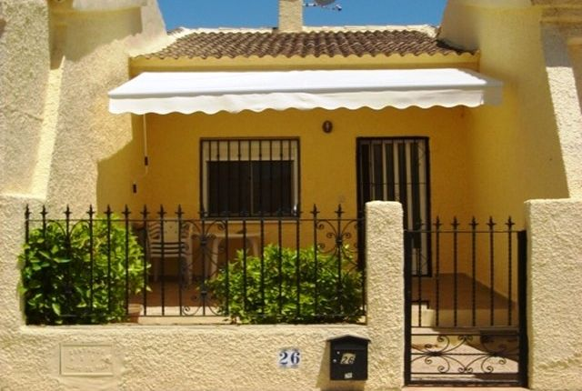 Terraced bungalow for sale in Urbanización La Marina, San Fulgencio, La Marina, Costa Blanca South, Costa Blanca, Valencia, Spain