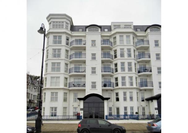 Thumbnail Flat to rent in Apt. 30 Empress Apartments, Central Promenade, Douglas