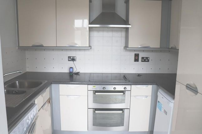 Thumbnail Flat to rent in Madingley Court, Fitzwilliam Close, Barnet