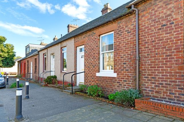 Thumbnail Terraced house for sale in 82 Main Street, Winchburgh
