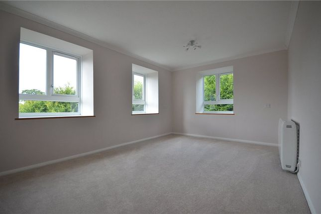 Living Room of Lilley Court, Heath Hill Road South, Crowthorne RG45