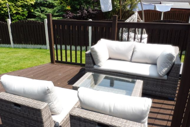 Decking Area of Summer Lane, Wombwell S73