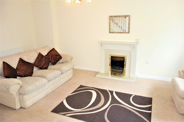 3 bed semi-detached house to rent in Youghal Close, Pontprennau, Cardiff