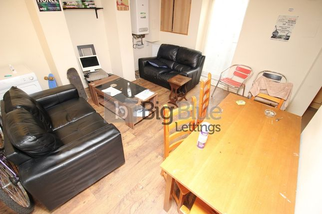 Terraced house to rent in Royal Park Avenue, Hyde Park, Four Bed, Leeds