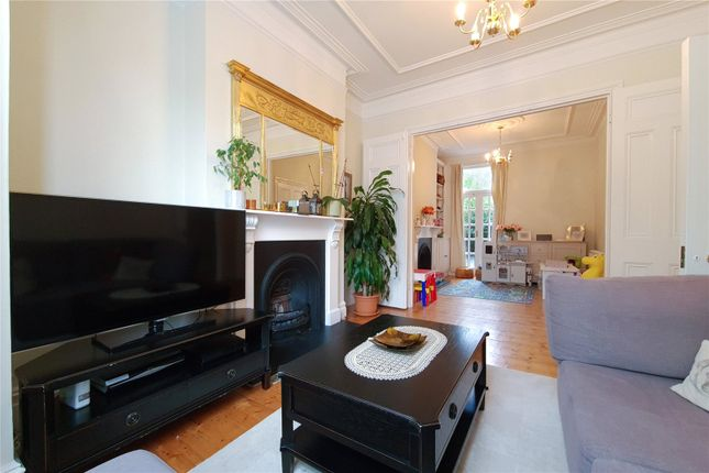 4 bed terraced house to rent in Jedburgh Street, London SW11