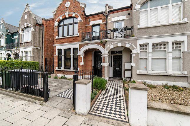 Thumbnail Flat to rent in Gleneldon Road, Streatham