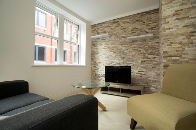 Thumbnail Flat to rent in Upper Basinghall Street, Leeds
