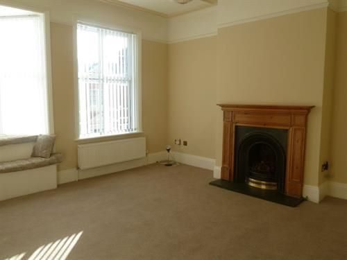 Thumbnail Maisonette to rent in Victoria Road, Exmouth