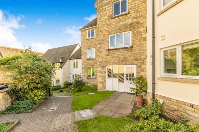 Thumbnail Flat to rent in Warrenne Keep, Stamford
