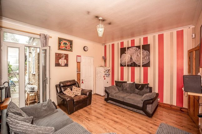 Thumbnail Terraced house to rent in Alexandra Road, Erith