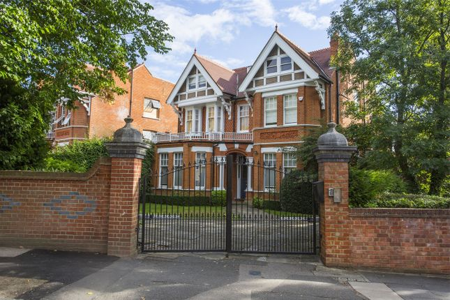Thumbnail Detached house to rent in Blakesley Avenue, London