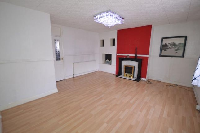 Thumbnail Maisonette to rent in Tollgate Road, Canning Town, London