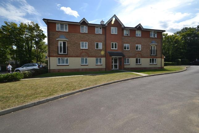 Thumbnail Flat to rent in Lindisfarne Gardens, Maidstone