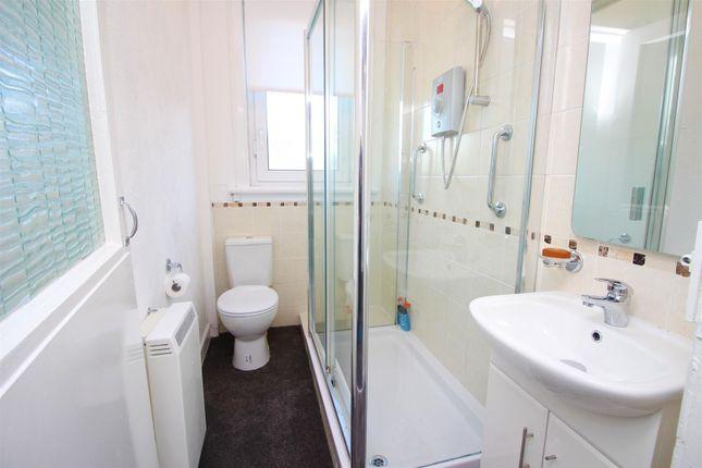 Bathroom of King Street, Port Glasgow PA14