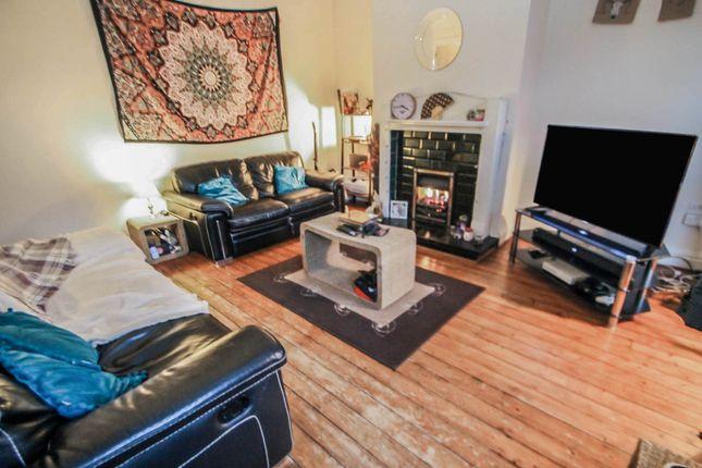 2 bed terraced house to rent in Roseneath Terrace, Leeds LS12