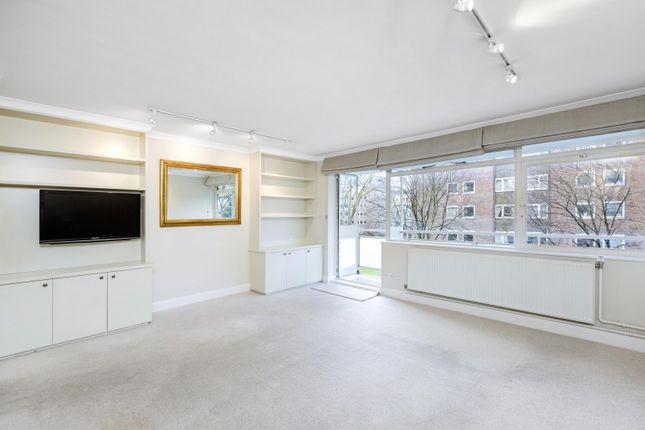 2 bed flat to rent in Chelsea Court, Elm Park Gardens