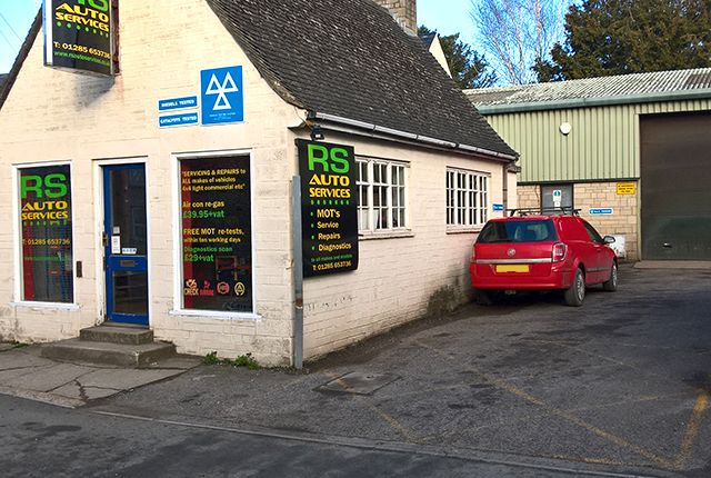 Thumbnail Parking/garage for sale in Querns Lane, Cirencester