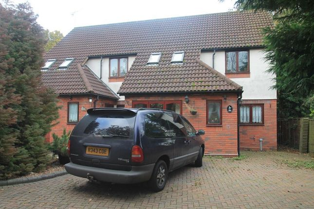 Thumbnail Semi-detached house to rent in Larch Avenue, Bricket Wood
