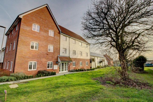 Thumbnail Flat for sale in Bruton Link, Wickford