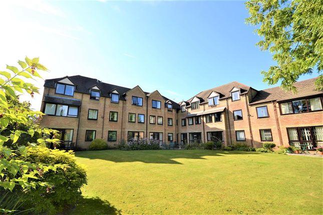 Flat for sale in Hillstead Court, Basingstoke