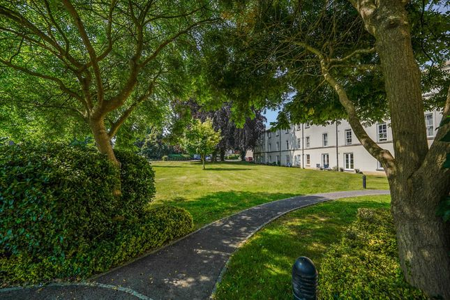 3 bed flat to rent in Chesterton Lane, Cirencester GL7