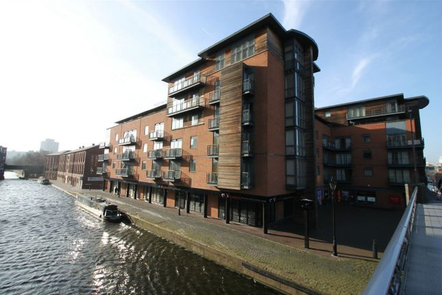 Thumbnail Flat for sale in Canal Wharf, 12 Waterfront Walk, Birmingham, West Midlands
