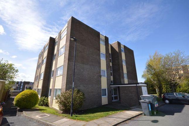 2 bed flat to rent in Shaftoe Court, Killingworth, Newcastle Upon Tyne NE12