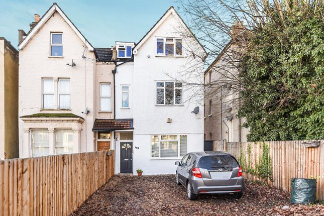 2 bed flat for sale in Haydons Road, Wimbledon, London