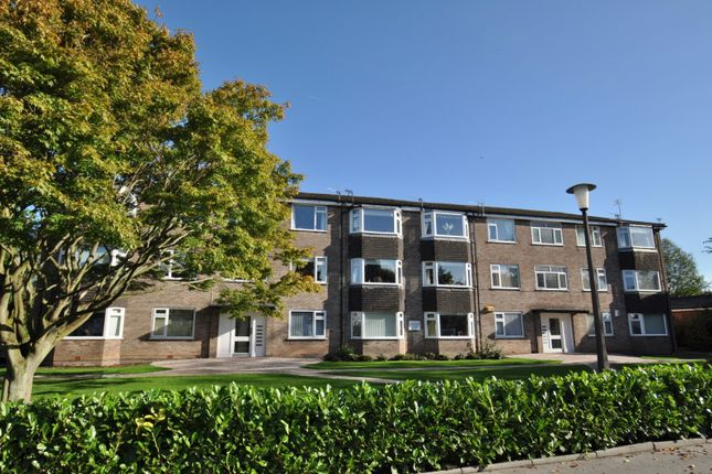 2 bed flat to rent in Ackersley Court, Cheadle Hulme, Cheadle SK8