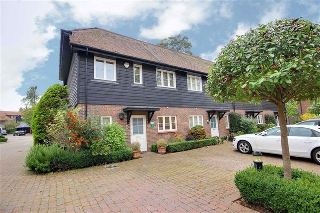 Thumbnail Property to rent in Middle Down, Aldenham, Watford